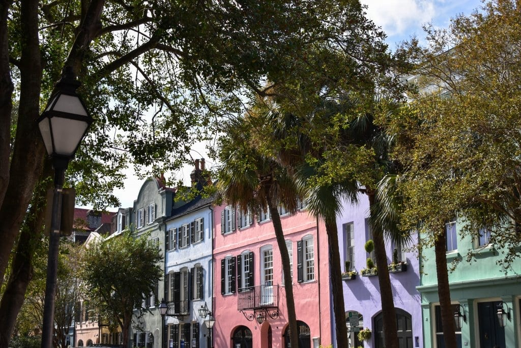 Rainbow Row in Charleston, South Carolina. A great mother daughter trip in the USA.