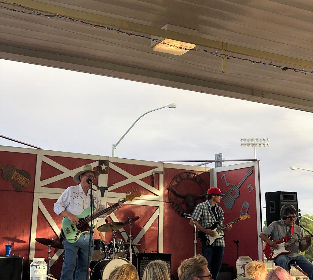 Big John's Texas BBQ live country band