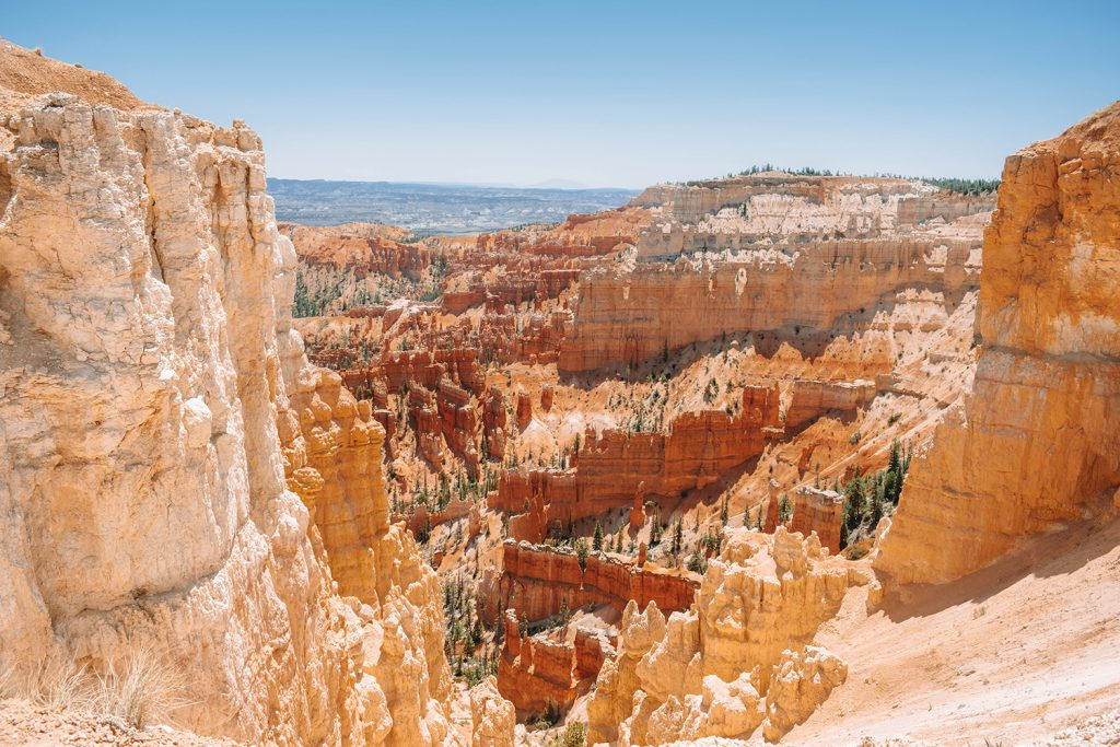 Colorful views of Bryce Canyon in Utah