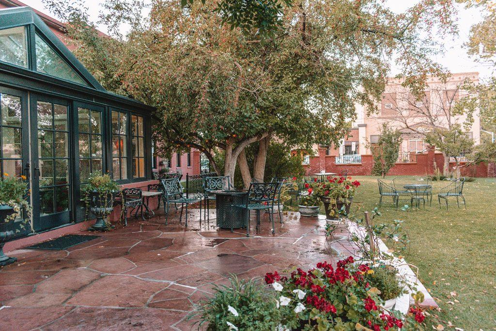 The garden at Chamberlin Inn in Cody