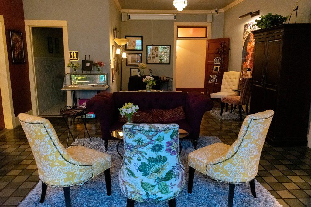 The parlour in Chamberlin Inn