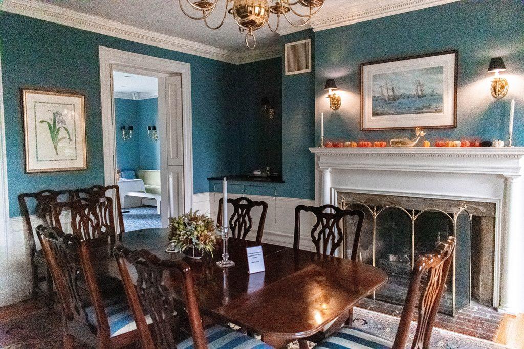 The dining room in Harbor Light Inn