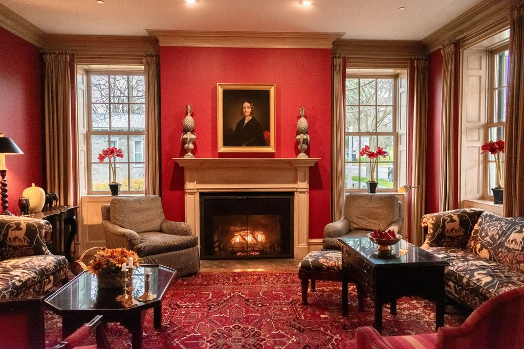 A living room at the Inns of Aurora in New York