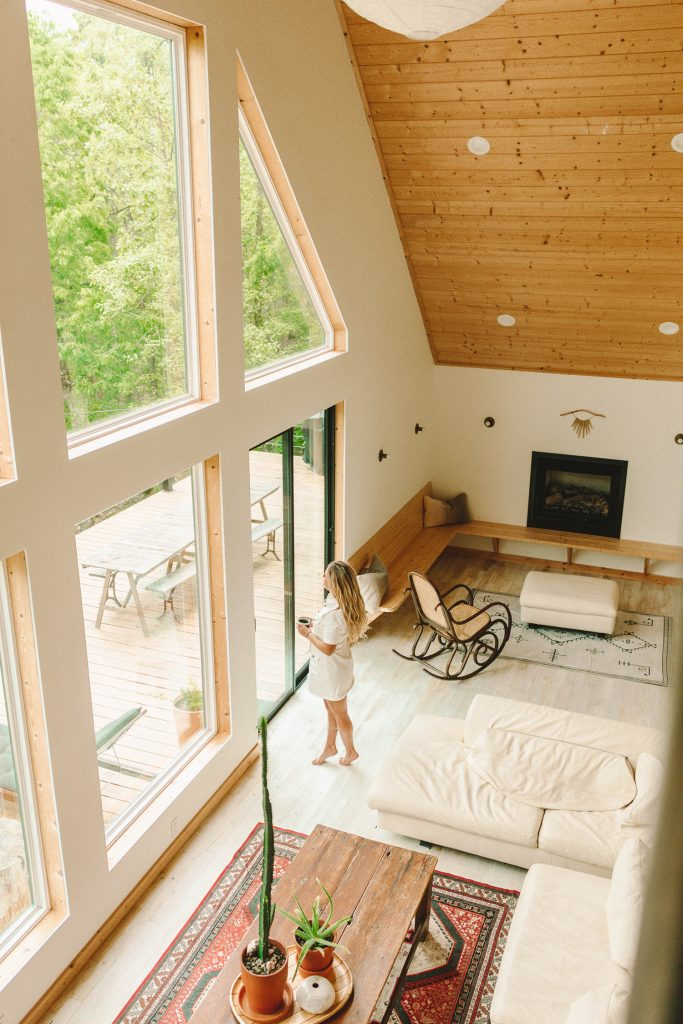 The Cabin Collection's California Dreaming in Broken Bow