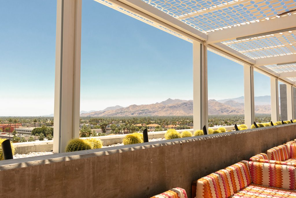 The lounge at the Kimpton Rowan in Palm Springs