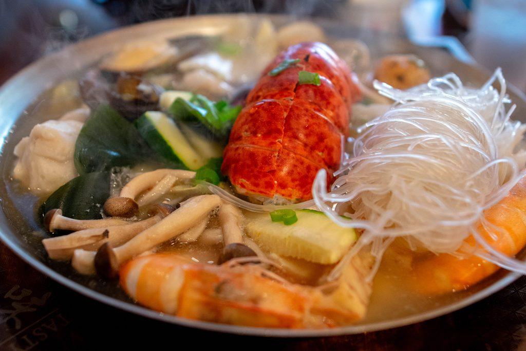 Taiwanese seafood hot pot